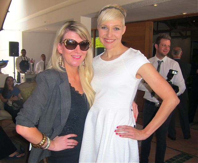Jazna Zellerhoff with MC Leizl vd Wethuizen