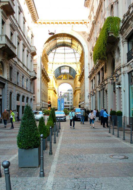 Milan_Galleria_vittorio_emanuele_II_2