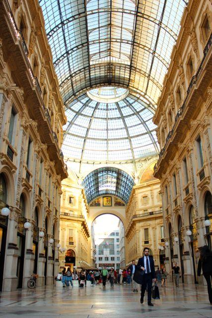 Milan_Galleria_vittorio_emanuele_II_4