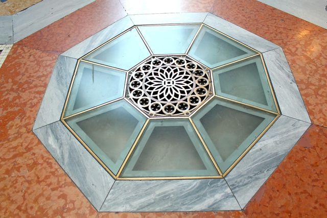Milan_Galleria_vittorio_emanuele_II_6